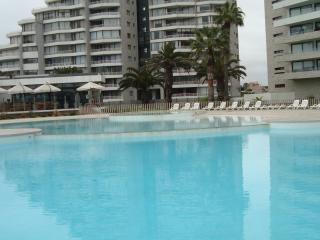 Jardín del Mar Holiday Apartment Sleeps 4 - La Serena vacation rentals