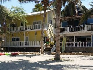 Perfect 3 bedroom Mancora House with Internet Access - Mancora vacation rentals