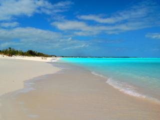 """Angelfish"" condo - 2 bed / 2 bath on the marina - Treasure Cay vacation rentals"
