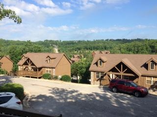 **Special$89/nght Feb** Rustic Cabin in Branson- Close to Silver Dollar City - Branson West vacation rentals