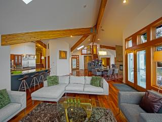 Luxury Waterfront Horsehead Bay Home - sleeps 8 - Gig Harbor vacation rentals