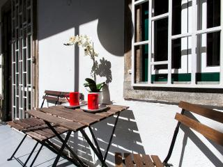 BE BEIGE IN CENTRAL LISBON - Lisbon vacation rentals