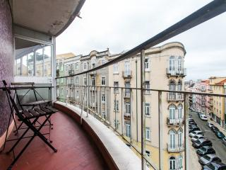 BE BLACK IN CENTRAL LISBON - Lisbon vacation rentals