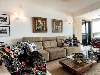 Aptmt Barra da Tijuca, FAMILY FRIENDLY- 01 - Rio de Janeiro vacation rentals