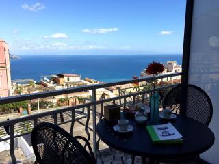 La stanza sul Mare - Taormina vacation rentals