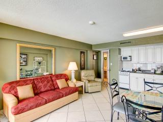 Hawaiian Inn Resort -1/1 Oceanfront $900 /wk - Daytona Beach vacation rentals