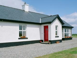 Lovely 3 bedroom Carlingford House with Internet Access - Carlingford vacation rentals