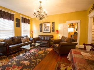Charming Bungalow, downtown area, newly renovated! - Chattanooga vacation rentals