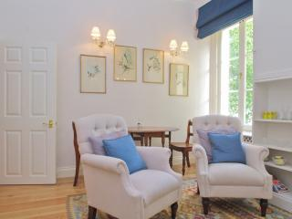 Hyde Park Charm - Kingsize bed - near Paddington - London vacation rentals