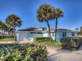 Seaview Beach House * Walk to the Beach, Newly Renovated * - Daytona Beach vacation rentals