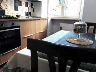 "Appartamento ""ORTI DOMIZIANI"" - Rome vacation rentals"