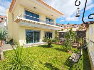 Villa Monte 2 - Funchal vacation rentals
