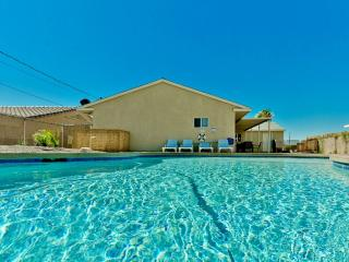 Spacious 4bed/2bath home w/ NEW Pool & Pool Table - Lake Havasu City vacation rentals