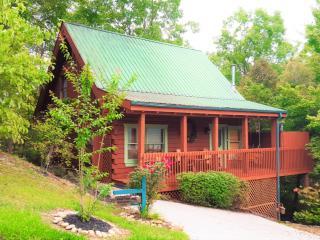 Great Gatinburg Location! Good Time Getaway Cabin - Gatlinburg vacation rentals