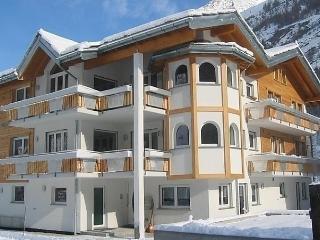 Haus Alpenstern, Wohnung Diste - Saas Grund vacation rentals