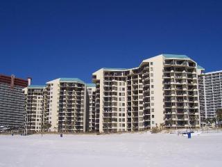 PS WALK TO PINEAPPL WILLYS - BEACHFRONT UNIT- ** - Panama City Beach vacation rentals