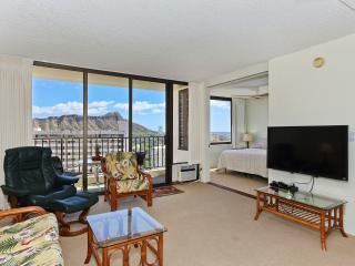 Waikiki 1 Bedrm, Partial Ocean View, Free Parking - Honolulu vacation rentals