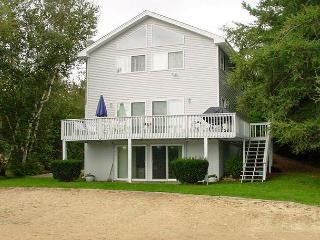 Winnipesaukee Waterfront 4Bed 2Bath W/ Sandy Beach - Moultonborough vacation rentals