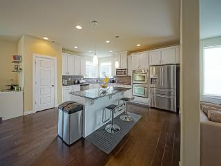 Chamber's Bay/University Place Home - sleeps 7 - University Place vacation rentals