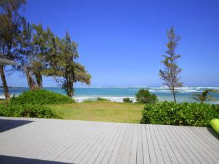 Beachfront Escape - Last Minute Special - Kahuku vacation rentals