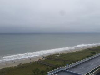 Beautiful  oceanfront condominium in a fantastic l - Myrtle Beach vacation rentals