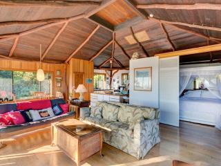 Anyas house honeymoon cottage Hana Maui - Hana vacation rentals