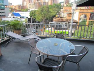 Parque Lleras Ground Zero Apartment 2 Bedroom PH - Medellin vacation rentals