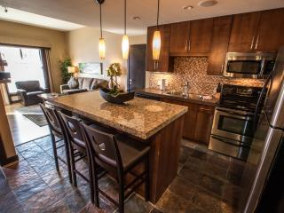 Canmore Silver Creek Chic 2 Bedroom Condo - Canmore vacation rentals