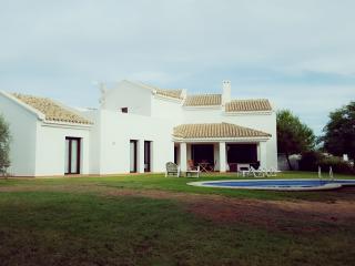 Villa with pool in Costa de la Luz - Novo Sancti Petri vacation rentals