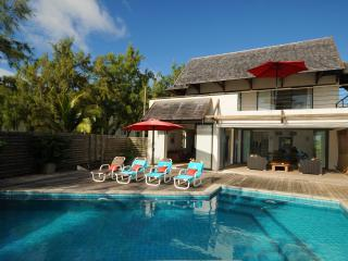 "Peters Beachouse 250 m"" pool directly on the beach - Poste Lafayette vacation rentals"