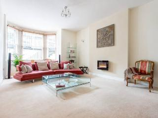 Palmerston House: luxury city centre garden flat with garage - Edinburgh vacation rentals
