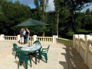 Large House & Garden in Carhaix - 20% off ferries - Carhaix-Plouguer vacation rentals