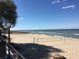 North Shore Condos 225 #203 and #205. Weekly Only - South Haven vacation rentals