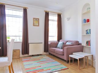 Kensington Pied-e-terre  - near Earls Court tube - London vacation rentals