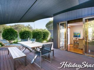 Canterbury Villa - Luxury Blairgowrie Retreat - Blairgowrie vacation rentals