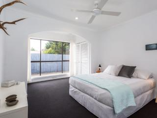 Comfortable House with Television and Microwave - Dromana vacation rentals