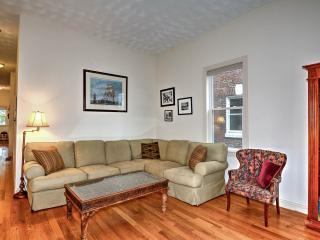 Boston's 2 bedrooms near Stony Brook's Orange line - Boston vacation rentals