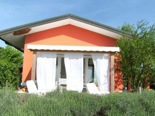 Cozy 3 bedroom Villa in Isola Albarella with Deck - Isola Albarella vacation rentals