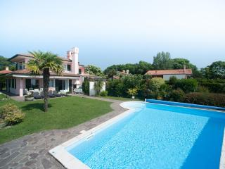 Bright 5 bedroom Villa in Isola Albarella - Isola Albarella vacation rentals