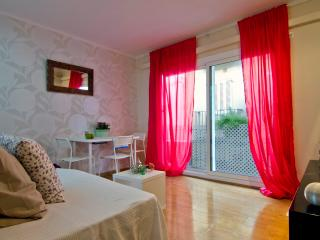 Romantic 1 bedroom Condo in Sitges with Washing Machine - Sitges vacation rentals