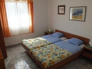 Comfortable 2 bedroom Vacation Rental in Basanija - Basanija vacation rentals