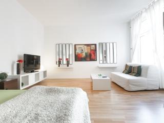 LOVELY DECORATED LOFT IN KREUZBERG - Berlin vacation rentals