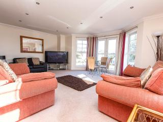 Flat 6 Trelawney Court BH8 8NH - Bournemouth vacation rentals
