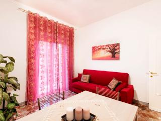 """""""Anthony's Home"""" 5 people WiFi free - Rome vacation rentals"""