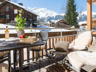 Charming 1 bedroom Wengen Apartment with Housekeeping Included - Wengen vacation rentals