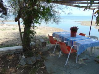 Beachfront Apartment for 2-4 people - Perivoli vacation rentals