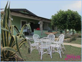 Appartamenti Vacanze Le Castella sul Mare - Isola di Capo Rizzuto vacation rentals