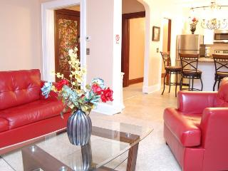 Executive Luxury Suite, Short Walk to the Falls - Niagara Falls vacation rentals