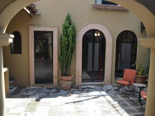 Guadiana - Great Location! 2 bedroom, 2.5 baths - San Miguel de Allende vacation rentals
