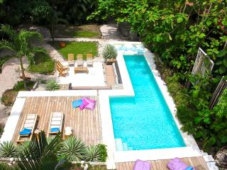 Lovely Condo with Long Term Rentals Allowed (over 1 Month) and Toaster - Santa Teresa vacation rentals